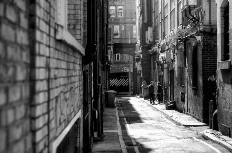 fag-break-princes-street-black-and-white-portfolio-formidable-photography