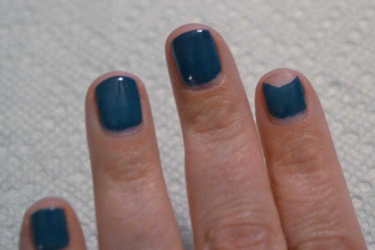 Gel+Nail+Polish+Chipped1