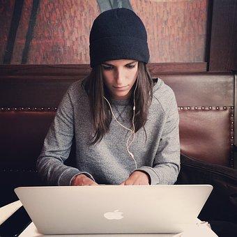 laptop-2561018__340