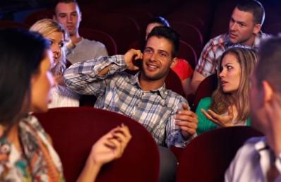 mobile-phone-theatre-700x455